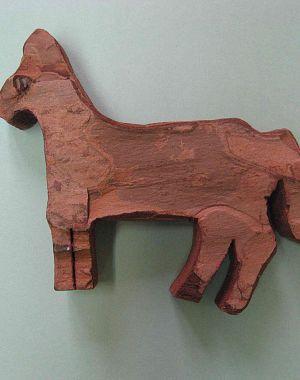 Konjiček iz borove skorje